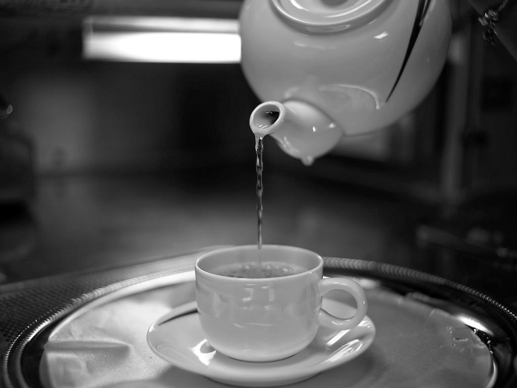 【白湯の効果と飲み方】